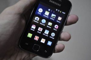 Samsung galaxy Y hands on
